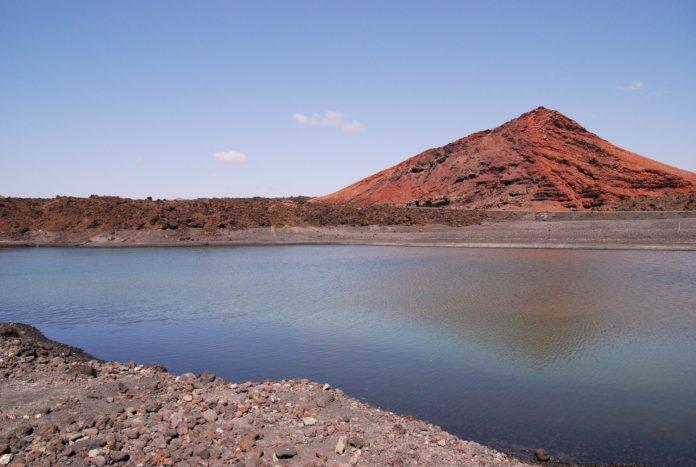Cosa vedere a Lanzarote: paesaggi vulcanici e spiagge da sogno